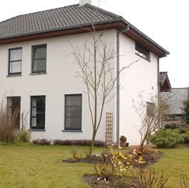 Decoratie de bie schilderen huis buitenmuren gevels ramen for Woning schilderen